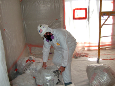 checking-asbestos-waste-bags